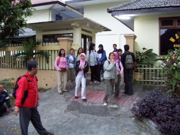 Kumpul di sekolah