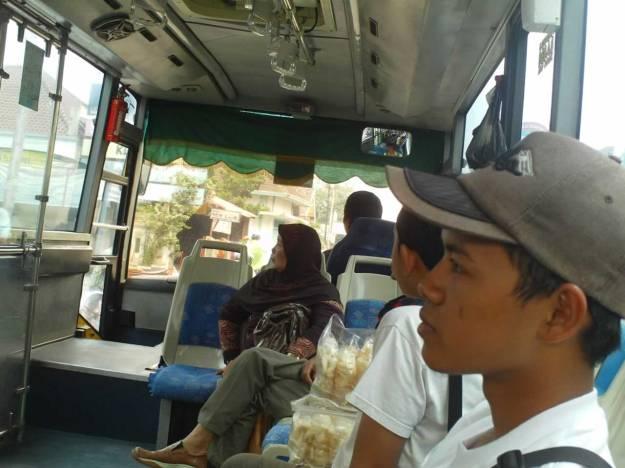 Di dalam busway