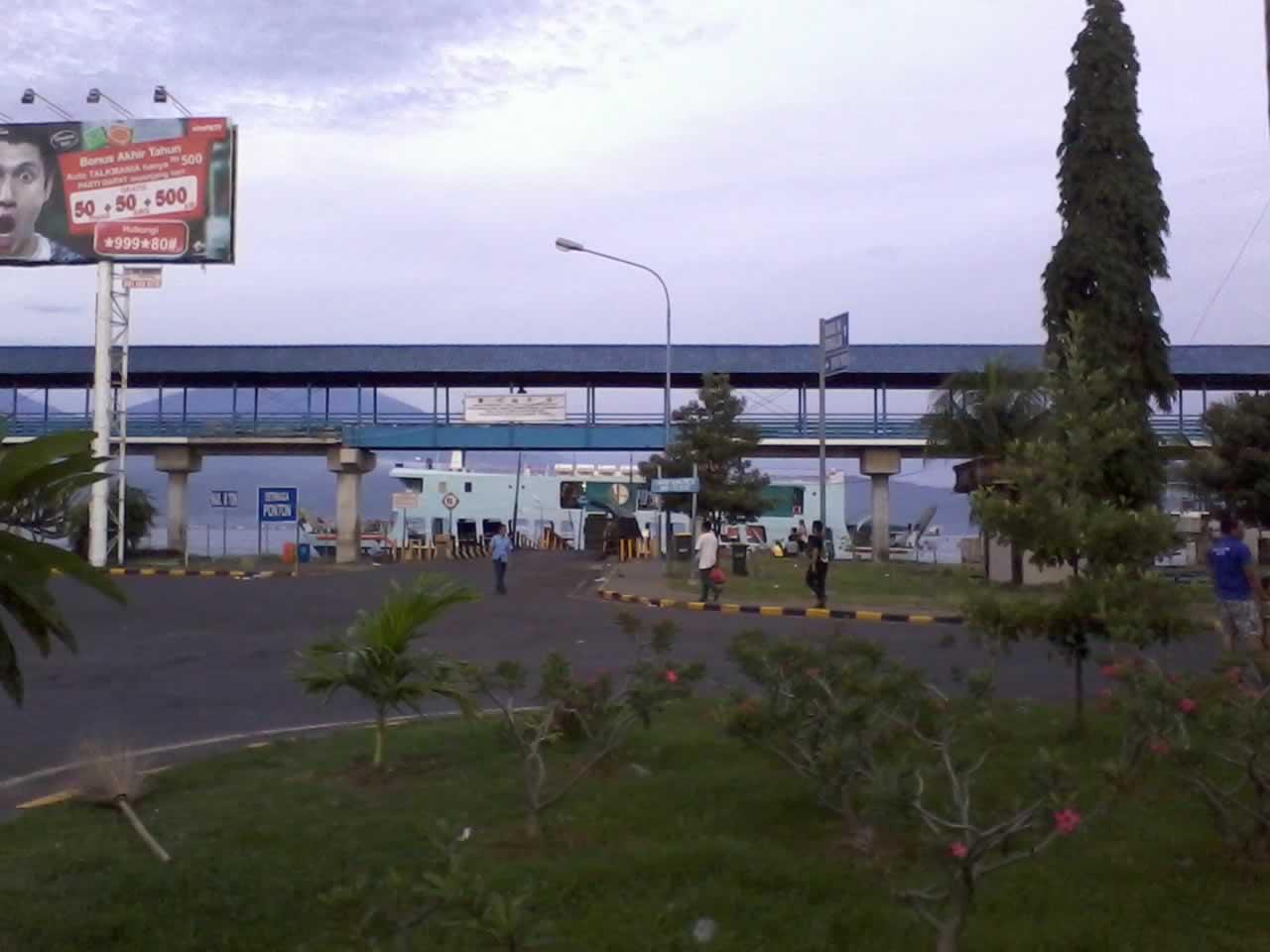 Suasana pagi di pelabuhan Gilimanuk