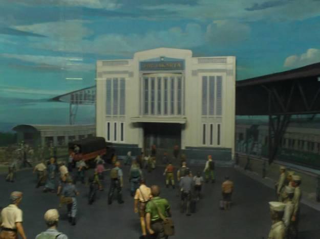 Diorama suatu peristiwa di Stasiun Tugu