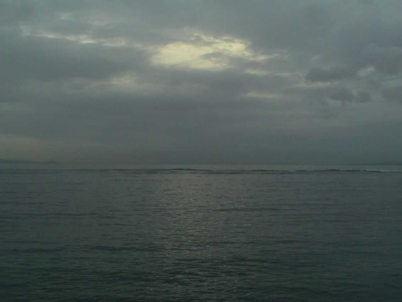 Sunrise yang tertutup awan