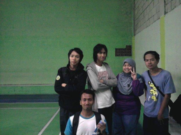 Habis main badminton