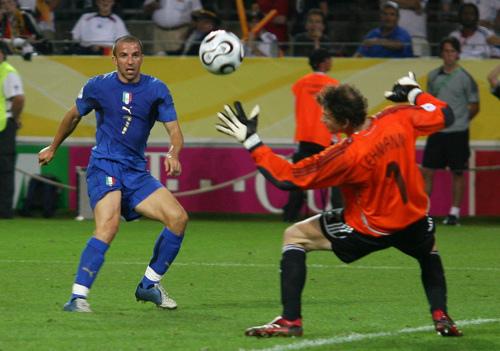 Gol Del Piero, Jerman vs Italia 0-2, Semifinal WC 2006 (Reuters)