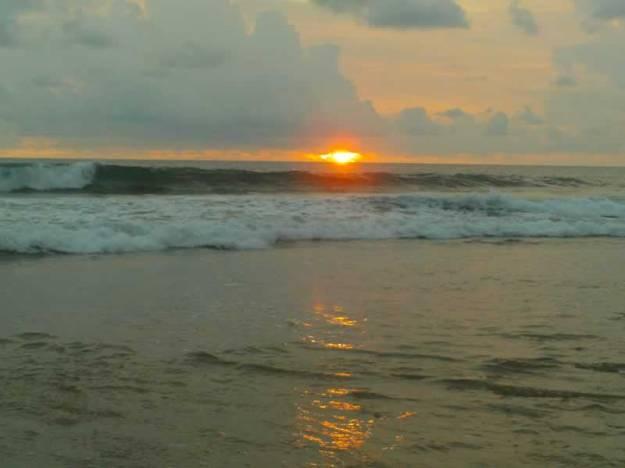 Sunset di Pantai Pangumbahan