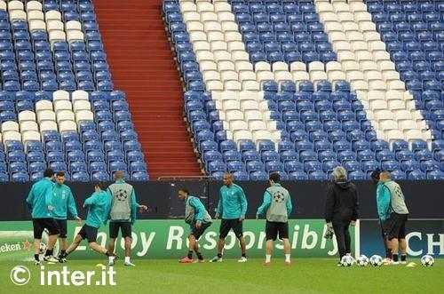 Latihan Inter di kandang Schalke