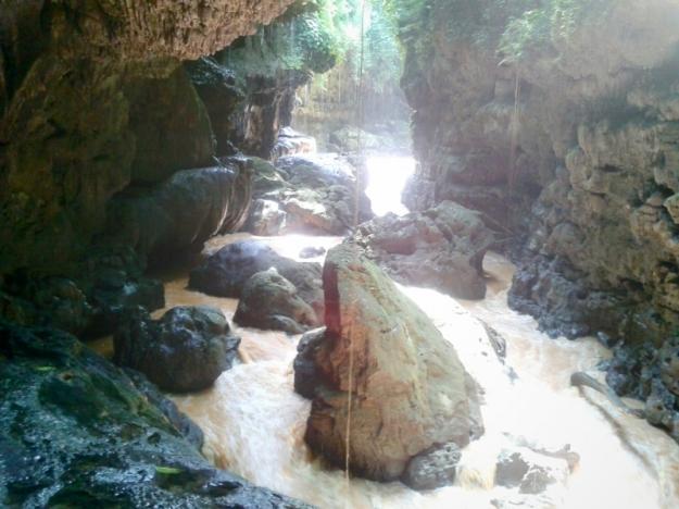 Aliran sungai Green Canyon 2