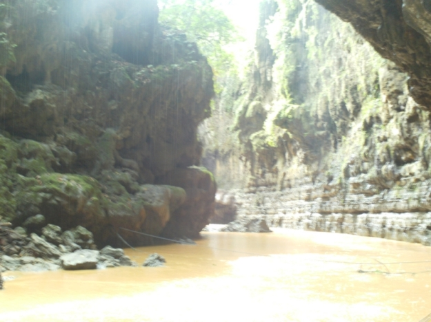 Tebing-tebing Green Canyon