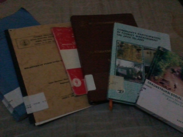 Buku-buku yang kupinjam
