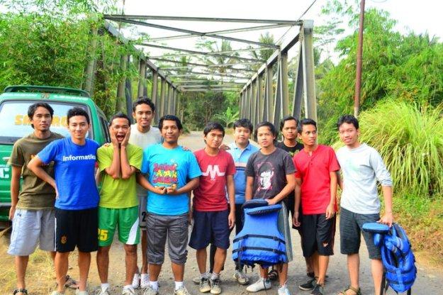 Di jembatan start