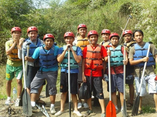 Bersiap-siap rafting