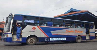 "Bus ""Sumber Selamat"""
