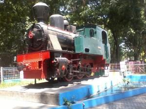 Monumen lokomotif sepur lori