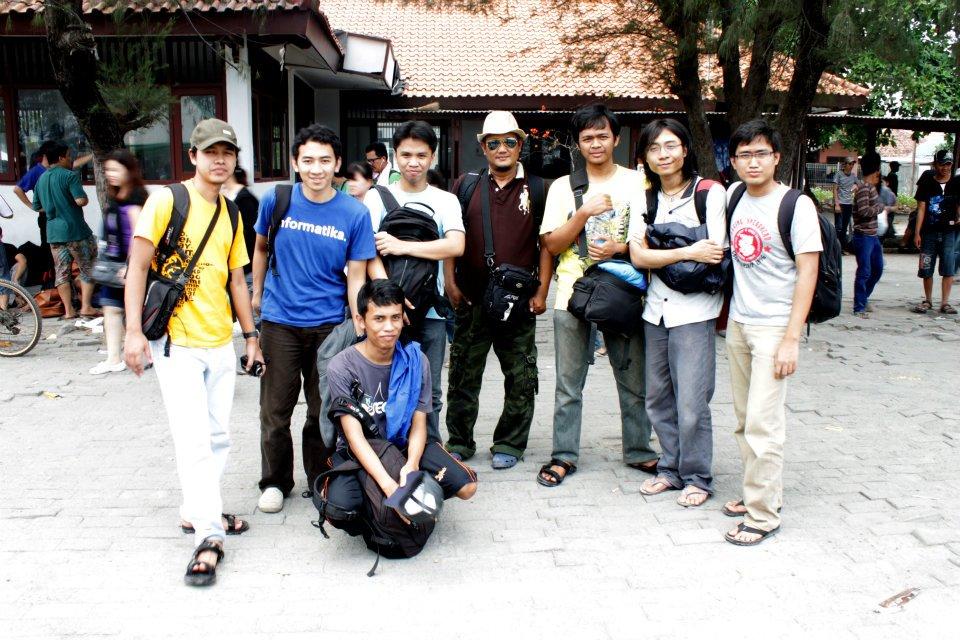 Foto bersama dengan Pak Manshur