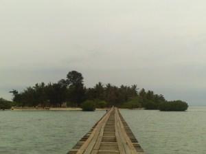 Jembatan Cinta dengan latar belakang PTK