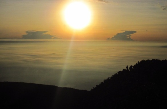 Sunrise di Puncak Gede