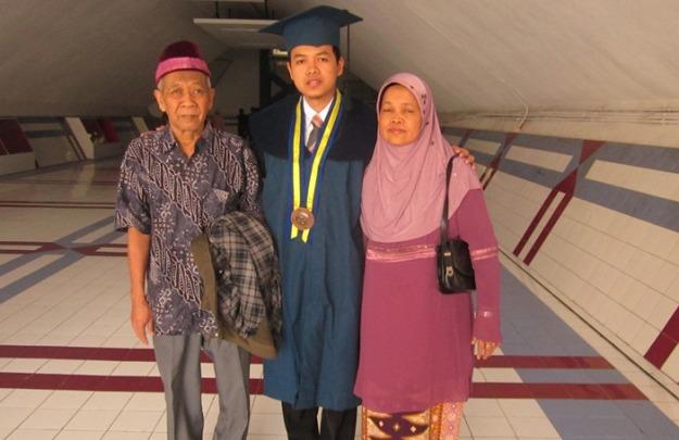 Bersama orang tua tercinta