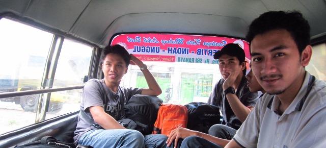 Naik Angkot