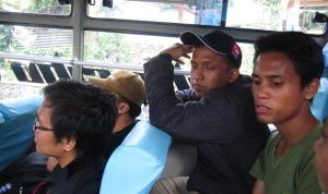 Di dalam bus ke Dieng