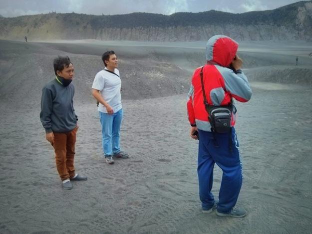 Di Pasir Berbisik