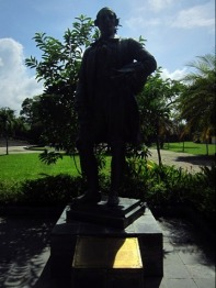 Patung Sir Francis Light