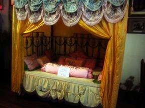 Tempat tidur putri-putri