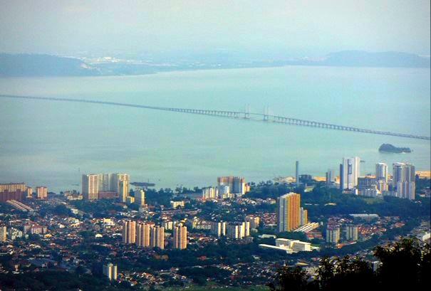 View jembatan Penang dan kota Georgetown