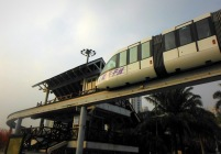 Stasiun monorail di depan Splendid China