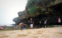 Bermain-main di karang