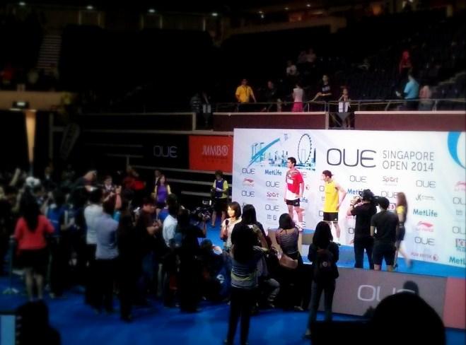 Simon Santoso dan Lee Chong Wei di atas podium