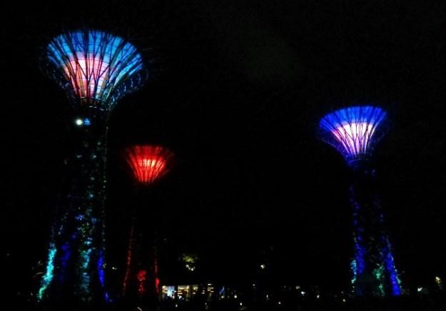 Warna-warni lampu dari Supertree