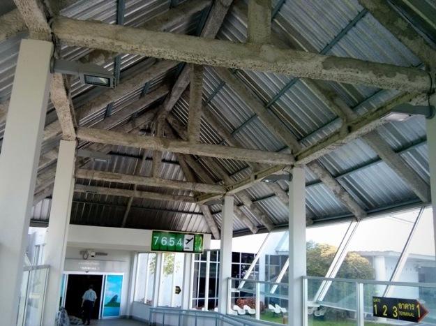 Koridor menuju terminal 2