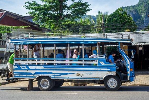 Songthaew jemputan (photo by Ian)