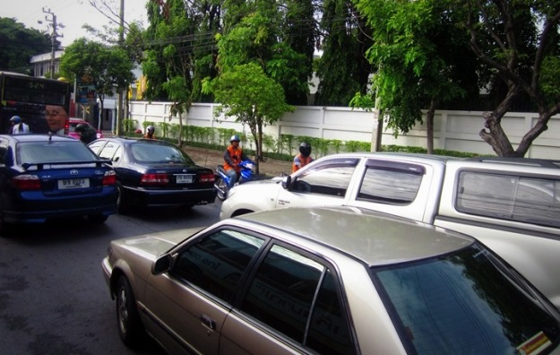 Salah satu kondisi jalanan Bangkok