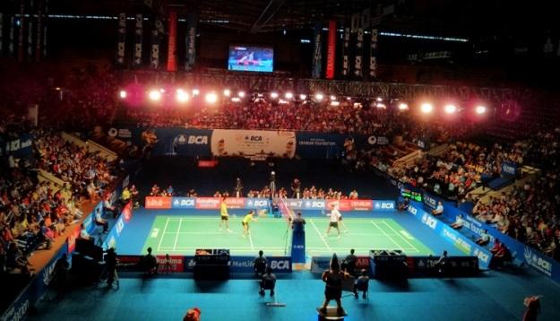 Xu Chen/Ma Jin (China) vs Joachim F. Nielsen/Christinna Pedersen (Denmark)