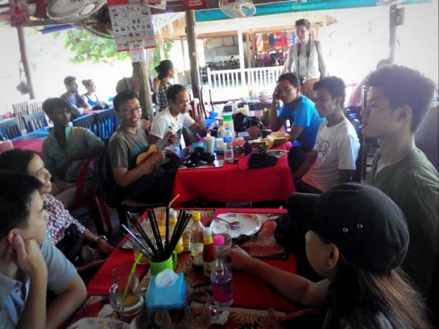Di warung makan (photo by Abdan)