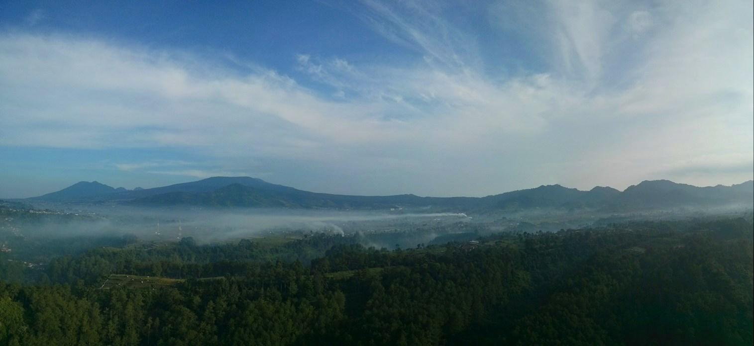 View panorama di hadapan Tebing Karaton