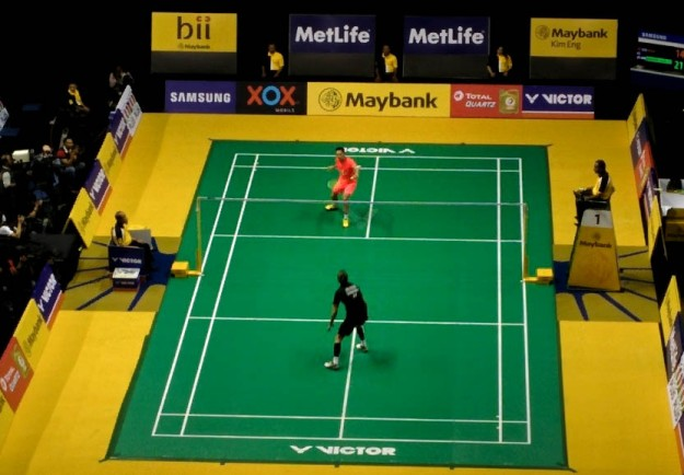Lin Dan (orange) vs Jan O Jorgensen (hitam)