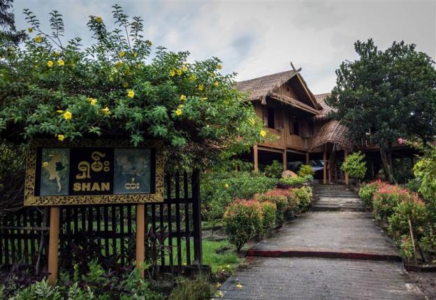 Rumah adat Shan State