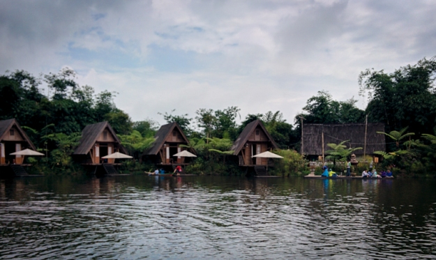 danau-di-dusun-bambu-2