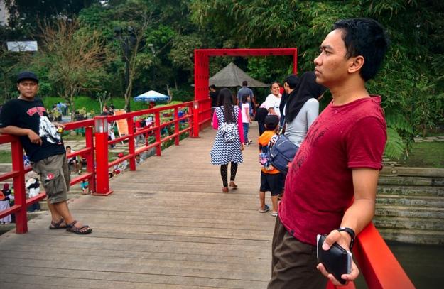 jembatan-merah-teras-cikapundung