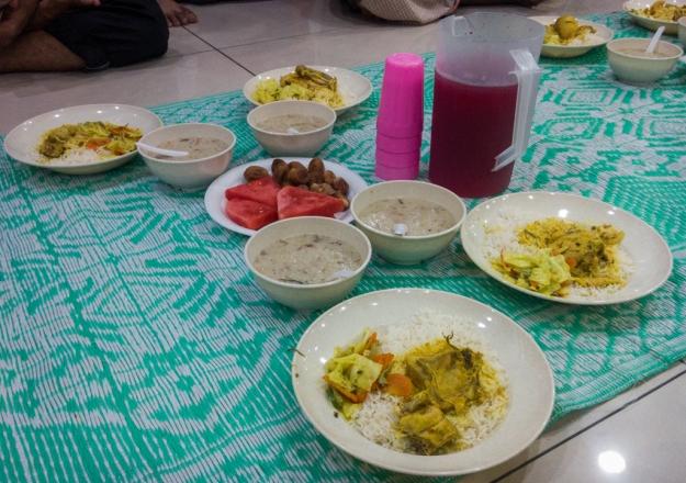 Hidangan buka puasa Masjid Al-Bukhary