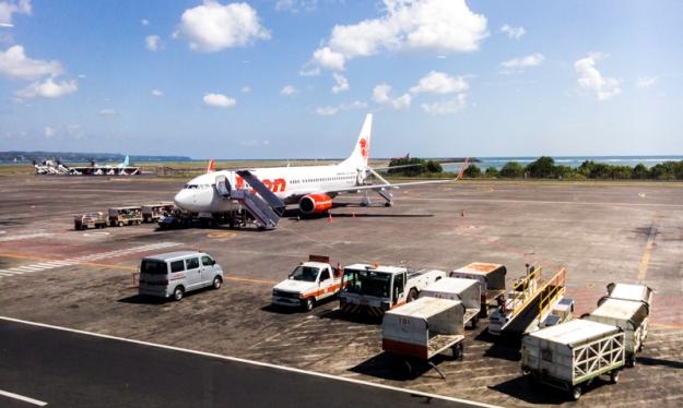 Pesawat Lion Air ke Bandung di Bandara I Gusti Ngurah Rai