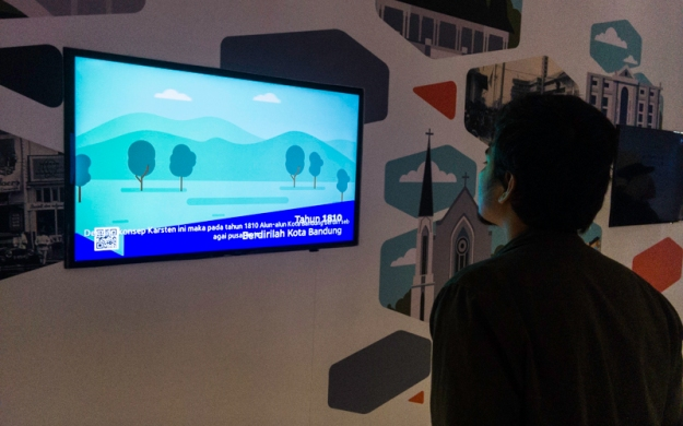 Menonton video rencana tata ruang Bandung pada tempo dulu