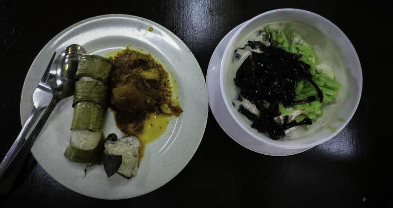 Lemang + rendang daging dan es cendol
