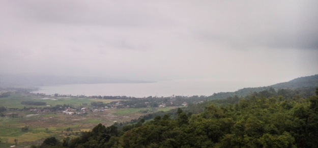 Pemandangan Danau Singkarak dari Bukit Chi Nang Kiek