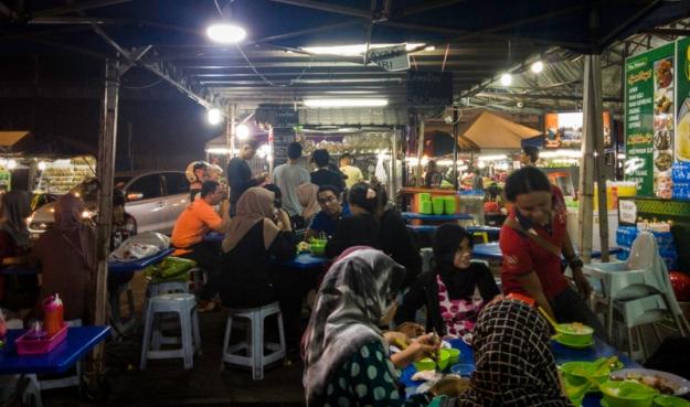 Suasana Cendol Durian Runtuh
