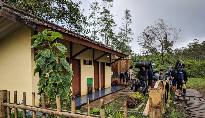 Penampakan toilet di camping ground Ranca Upas