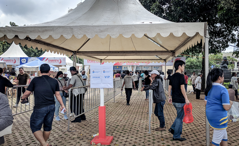 Ticket Booth di depan Istora Senayan