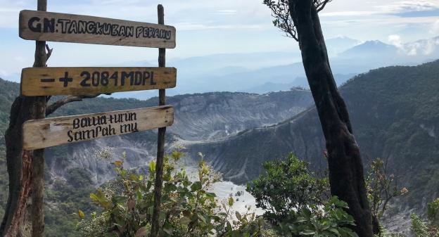 Puncak Gunung Tangkuban Perahu