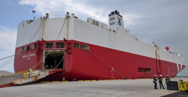 Kapal Suzuka Express bersandar di dermaga Pelabuhan Patimban